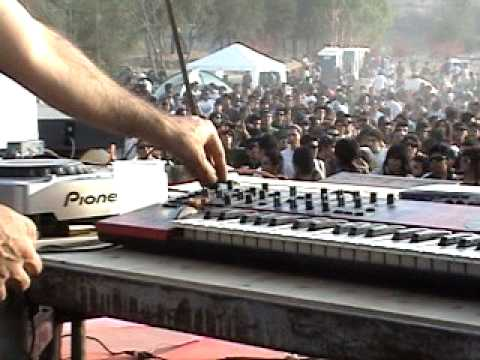techno-synth-001
